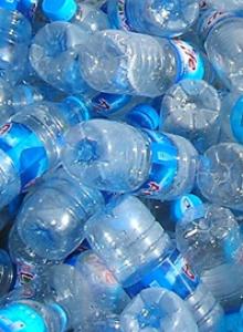 Deșeuri din: Plastic 22.5% PET 55%